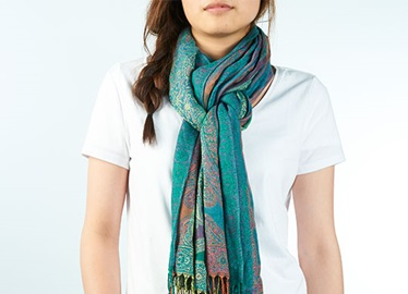 8-Ways-Rock-A-Scarf-Ziploc-Brand
