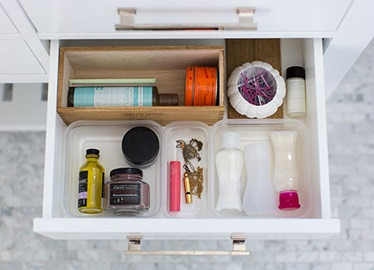 Bathroom Organization Solutions with Ziploc® brand
