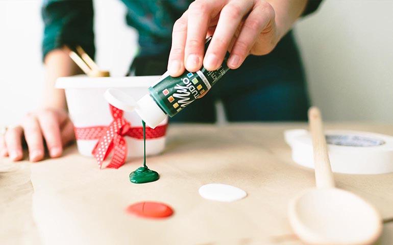 DIY-Hand-Painted-Spoons-Ziploc-Brand