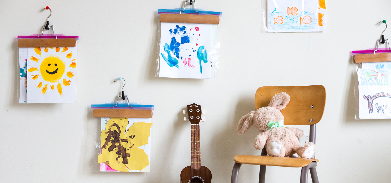 Du réfrigérateur au cadre: comment afficher et conserver les œuvres d'art de vos enfants