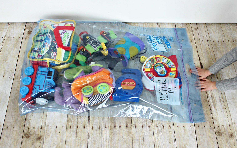 Reconstrucción tras una tormenta de juguetes en la habitación