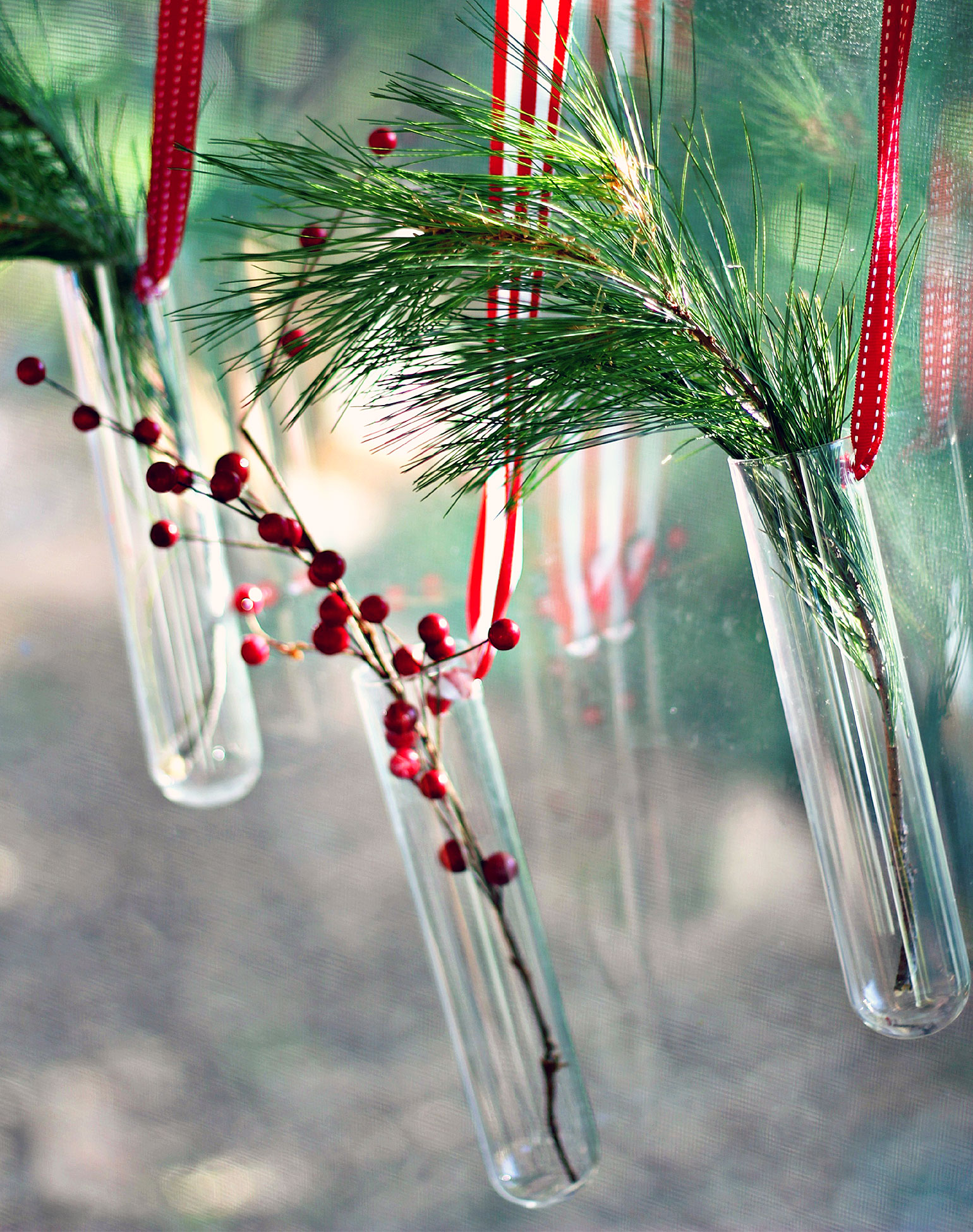 Small-Space-Big-Style-6-Holiday-Decorating-Tips-Ziploc-Brand