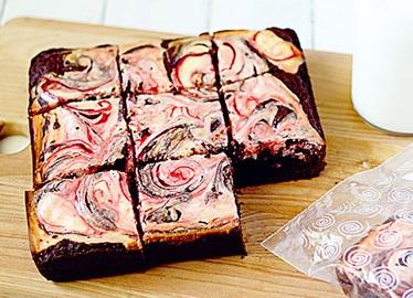 Brownies con remolino de bastones de caramelo | Ziploc®