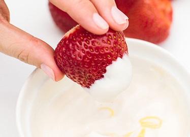 Creamy Lemon Yogurt Dip