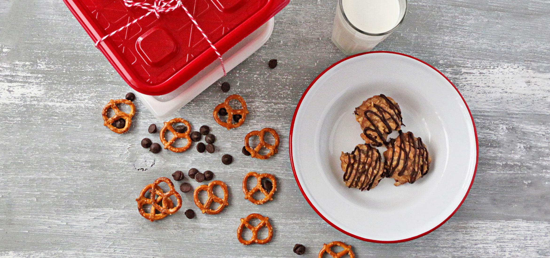 Galletas pretzel de mantequilla de maní con chispas de chocolate sin hornear