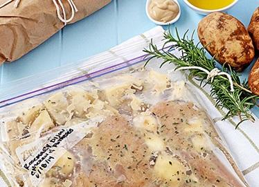 Pollo y papas con mostaza de Dijon y romero
