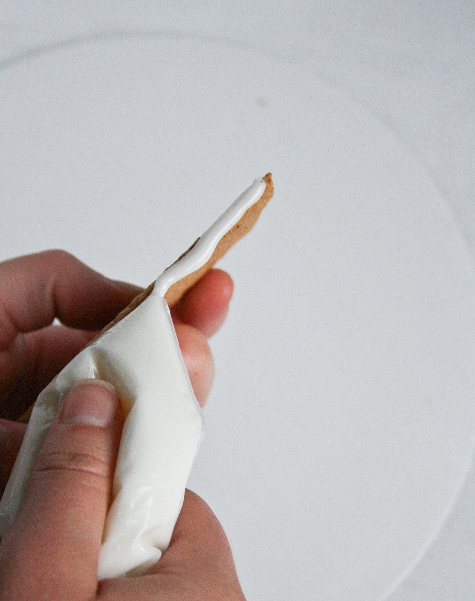 "Super Sticky ""Glue"" Icing"