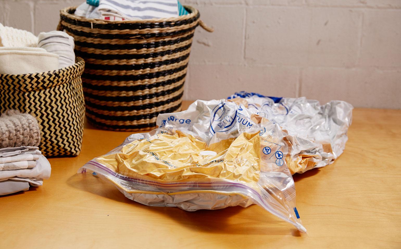 Paquet de 3sacs plats Space Bag®: 2grands, 1pour valise