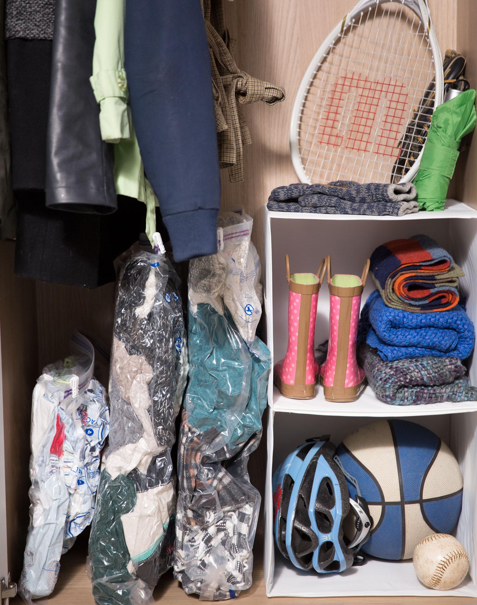 Paquet de 6sacs plats Space Bag®: 2moyens, 2grands, 1très grand, 1pour valise